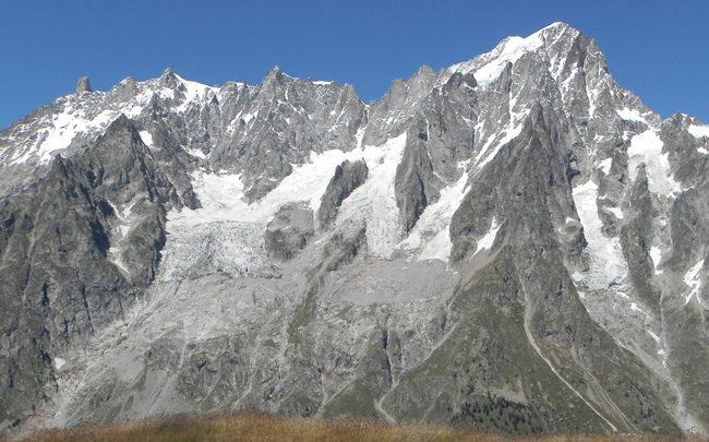 Часть ледника у Монблана может обрушиться 1