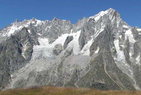 «Итальянскому» леднику Монблана грозит обрушение 1