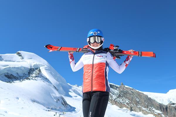 Женская юниорская команда России завершила лыжный сбор в Швейцарии 1
