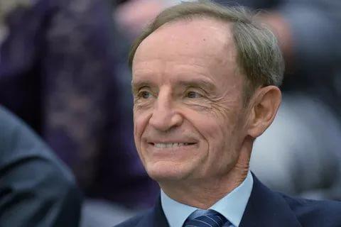 Трехкратный олимпийский чемпион по горнолыжному спорту Килли помог доставить в Швейцарию на лечение российских детей 1