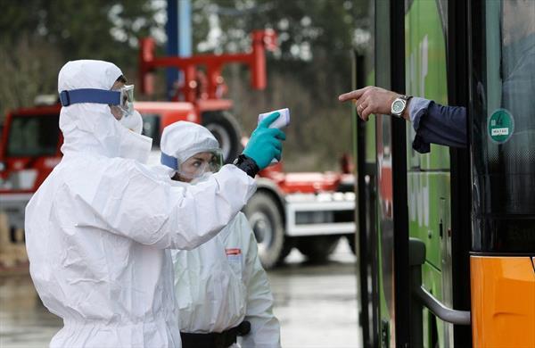 Чехия ввела карантин из-за обострения ситуации с пандемией 1