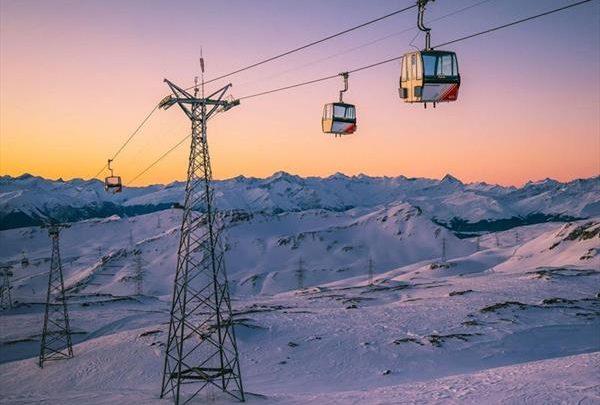 На фоне борьбы с пандемией Швейцария открыла 10 горнолыжных регионов 1