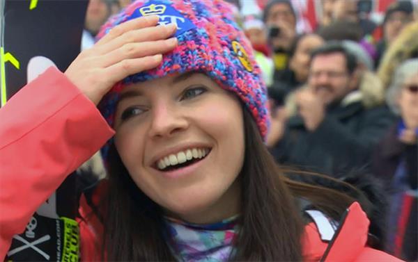 Тина Вайратер дебютирует в Зельдене в роли спортивного телекомментатора 1