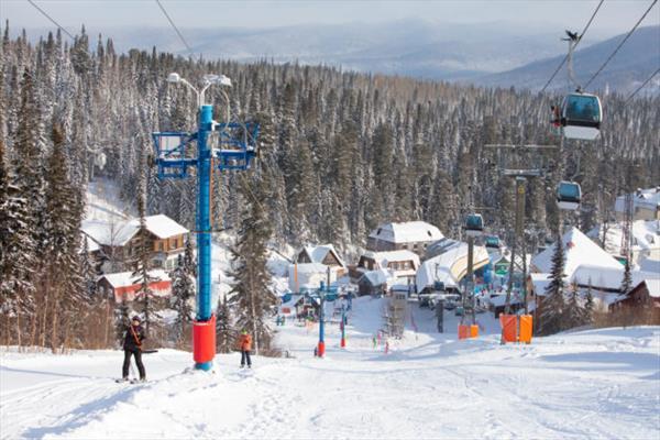 В Кузбассе ужесточаются противовирусные правила на горнолыжных курортах 1