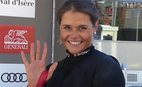 Швейцарка Сутер выиграла первый скоростной спуск сезона Кубка мира у женщин, Юлия Плешкова замкнула топ-30 гонки 1