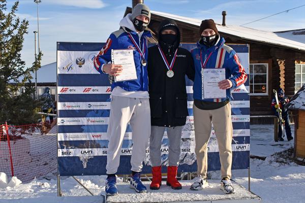 Софья Крохина и Сергей Майтаков — чемпионы России в параллельном слаломе 1