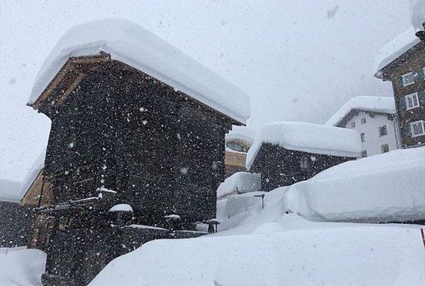 Альпийские курорты вновь завалило снегом 1