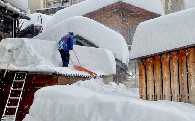 Церматт завалило: небывалые снегопады продолжаются 1