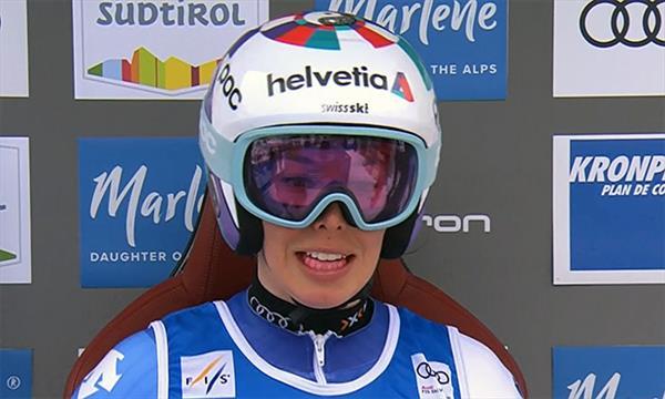Швейцарка Гизин лидирует в гиганте в Кронплатце, россиянки выбыли из борьбы 1