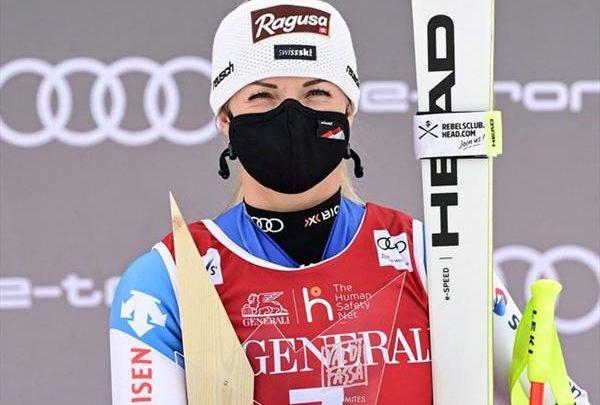 Итальянка Бриньоне выиграла супергигант на домашнем этапе КМ, Лара Гут-Бехрами — «Малый глобус» в этой дисциплине, Юлия Плешкова — 25-я 1