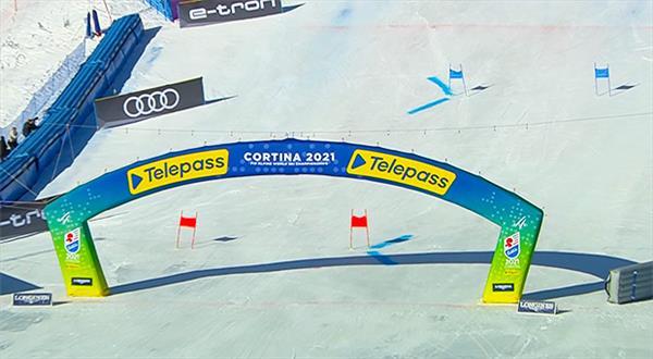 В мужском слаломе-гиганте на ЧМ-2021 сегодня выступят четверо россиян 1