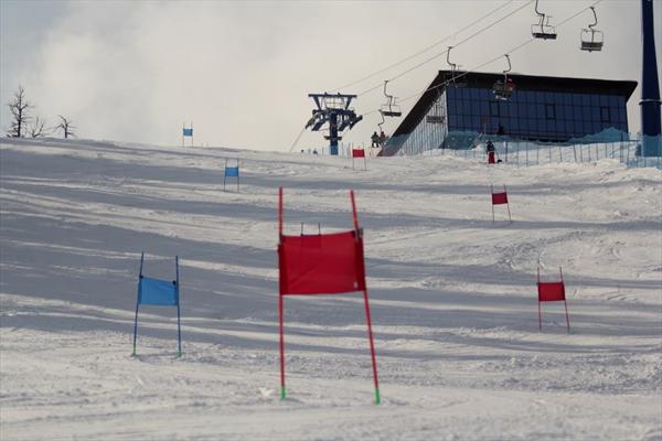 В Байкальске продолжаются межзональные детско-юношеские соревнования по горнолыжному спорту 1