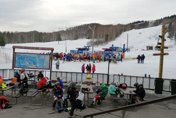 В Байкальске завершились детско-юношеские соревнования горнолыжников 1