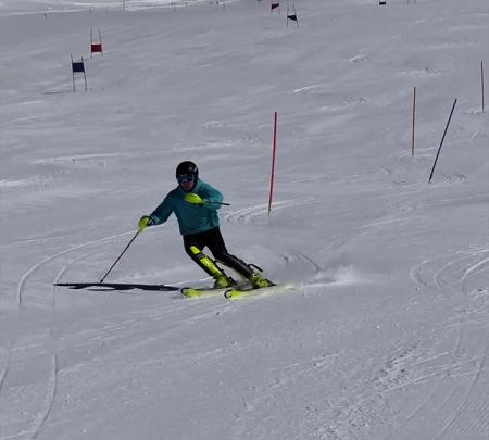 В Терсколе продолжают тренировки 15 региональных горнолыжных команд 1