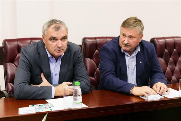 Президент и вице-президент РФГС встретились с руководством АО «КСК» 1